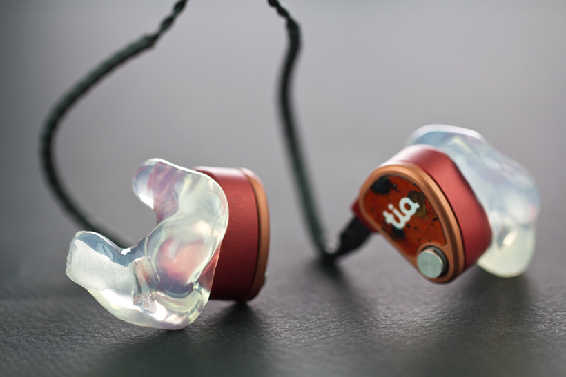 64 Audio tia U18 Tzar Custom Sleeve